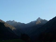 150422.Dark Valley