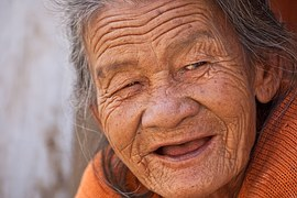 old-lady-845225__180